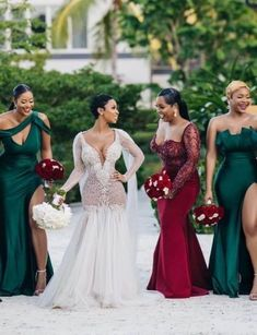 Sexy Wedding Dresses, Wedding Attire, Wedding Gowns, Party Gowns, Emerald Bridesmaid Dresses, Wedding Bridesmaids, Beautiful Bridesmaid Dresses, Wedding Guest Style, Wedding Colors