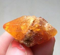 Pyramid Orange-red Scheelite crystal Specimen Xuebaoding China 15-566 #UnbrandedGeneric