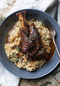 Sink your teeth into this delicious and elegant Braised Lamb Shanks Recipe with Parmesan Risotto that is sure to be a family favorite! @franke