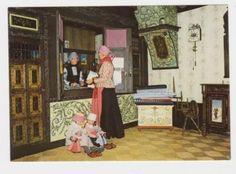 Hindeloopen-Postkantoor-Oud Hindelooper kunst - Klederdracht
