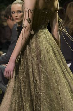 Christian Dior Spring 2017 Couture Fashion Show Details - The Impression