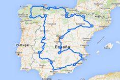 España es un país muy apto para recorrerse en coche. En caso de que quieras visitar de tacada todas y cada una de las comunidades, aquí tienes tres rutas