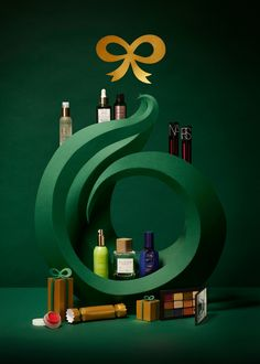 A Very Luxury Christmas - Owen Gildersleeve Dragon Boat Festival, Abstract Paper, Jewelry Ads, Christmas Poster, Pop Display, Christmas Photography, Freelance Graphic Design, Window Design, Bottle Design