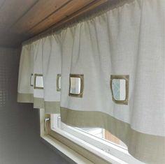 Valkoinen puuvillaverho on klassikko Valance Curtains, Shower, Bathroom, Home Decor, Rain Shower Heads, Washroom, Decoration Home, Room Decor, Full Bath
