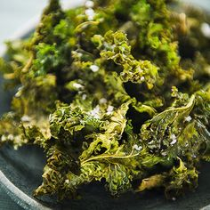 Crispy kale chips are a #healthy and easy-to-make snack.