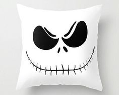 . Nightmare Before Christmas Decorations, Scary Halloween Decorations, Casa Halloween, Holidays Halloween, Halloween Jack, Halloween 2016, Disney Halloween, Halloween Sewing Projects, Halloween Crafts