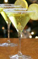 Recette Marquise 1 litre de vin blanc   250 grammes de sucre   500 grammes de citrons verts 1 bouteilles de vin mousseux