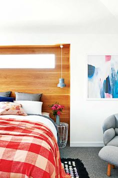 Creating a dreamy bedroom is easier than you think! These 20 modern bedroom ideas will have you sleeping on cloud nine. Home Bedroom, Master Bedroom, Bedroom Decor, Bedroom Ideas, Warm Bedroom, Living Area, Living Spaces, Deco Design, Beautiful Bedrooms