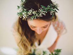 e7c8e5853148e95b2831738f40e0ecee--bridal-flower-crowns-bridal-flowers.jpg (736×552)