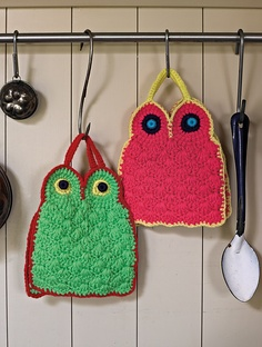 Possibly the most awesome crocheted kitchen stuff