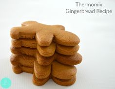 I've tried a few gingerbread recipes now and can safely say that this is the best Thermomix Gingerbread recipe that you will ever try. Easy Gingerbread Recipe, Gingerbread Dough, Christmas Gingerbread, Gingerbread Houses, Thermomix Pan, Thermomix Desserts, Xmas Food, Christmas Cooking, Bellini Recipe