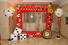 Типичный аэродизайнер Baby Shower Balloon Decorations, Casino Party Decorations, Casino Theme Parties, Birthday Decorations, Fète Casino, Vegas Theme, 50th Birthday Party, Birthday Ideas, Las Vegas