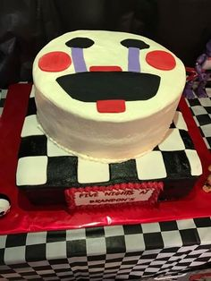 Five Nights at Freddy's puppet cake