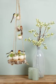 Die Besten Die Vögel werden mehr denn glücklich sein, selbige Schaukel in drei… The best The birds will be more than happy, the same swing in three … # best # birds Egg Crafts, Easter Crafts, Home Crafts, Diy And Crafts, Crafts For Kids, Easter Flower Arrangements, Easter Flowers, Diy Ostern, Deco Floral