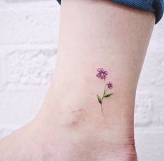 Your body is your canvas, so why don't you highlight your current much-loved art with these greatest tattoos. Violet Flower Tattoos, Violet Tattoo, Small Flower Tattoos, Dainty Tattoos, Pretty Tattoos, Mini Tattoos, Unique Tattoos, Cute Tattoos, Body Art Tattoos