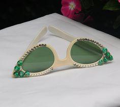 Foster Grant Kitsch Cat Eye Sunglasses 1950s by WoodridgeVintage, $32.00