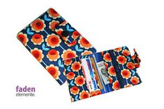 Portemonnaie blau mit orangen Rosen von Fadenelemente auf Etsy, €17,90
