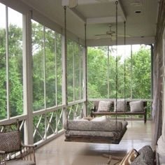 50 Inspiring Rustic Porch Swing Ideas To Get Comfort In Relaxing What could be more complimentary to an entryway patio than a wooden porch swing? Bring back the charitableness of times past. A porch swing can add a dash of sentimentality [Continue Read] Back Porch Designs, Screened Porch Designs, Screened In Porch, Farmhouse Porch Swings, Farmhouse Front Porches, Rustic Porch Swings, Hanging Porch Bed, Sweet Home, House With Porch