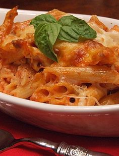 Baked Penne with Italian Sausage is a simple and delicious baked pasta recipe. This is the perfect comfort food dinner to feed a lot of people. Baked Penne, Baked Pasta Recipes, Cooking Recipes, Penne Pasta, Italian Sausage Recipes, Sweet Italian Sausage, Sausage Meals, Turkey Sausage, Pasta Dishes