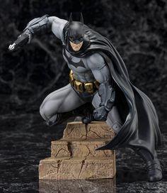 Estatua Batman 16 cm. Batman: Arkham City. Línea ARTF . Kotobukiya. DC Cómics Preciosa estatua perfectamente moldeada de gran realismo de Batman, totalmente oficial, fabricada en material de PVC y de 16 cm de altura aprox.