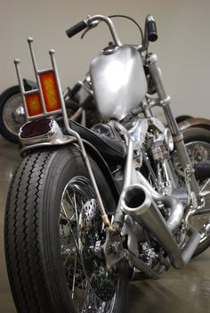 Noise Cycles Sissy bar rigid shovel 2-into-1 exhaust