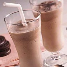 Tropical mocha smoothie is creamy,flavorful,and low calories per serving. See More Delicious Recipes! Mocha Smoothie, Smoothie Drinks, Healthy Smoothies, Healthy Drinks, Smoothie Recipes, Tropical Smoothie Mocha Madness Recipe, Healthy Recipes, Healthy Sweets, Delicious Recipes