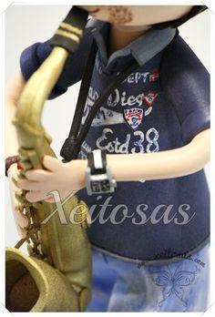 Fofucho saxofonista personalizado con maletin