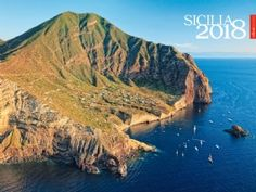 SICILIA 2018 | SimeBooks calendar with asthonishing travel photography. Aeolian Islands on cover.