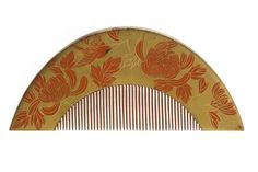 Gold and red lacquered Japanese comb decorated with chrysanthemum flowers and leaves and bird