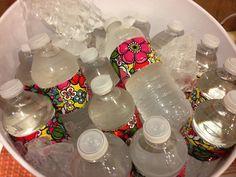 Idée de déco d'anniversaire : des bouteilles customisées