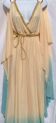 Cleopatra Halloween costume Medusa Costume, Cleopatra Costume, Egyptian Costume, Cleopatra Dress, Queen Cleopatra, Greek Goddess Dress, Greek Dress, Diy Greek Goddess Costume, Greek Goddess Makeup