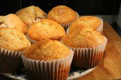 Muffin alaprecept - Nemzeti ételek, receptek Easy Cupcake Recipes, Homemade Cake Recipes, Baby Food Recipes, Cooking Recipes, Yummy Treats, Yummy Food, Homemade Muffins, Hungarian Recipes, Food To Make