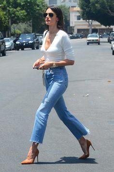 Alessandra-Ambrosio-REDONE-Levis-vintage-jeans