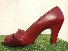 Stunning vintage 1940s 40s peeptoe shoes by DecoMermaidVintage, £95.00