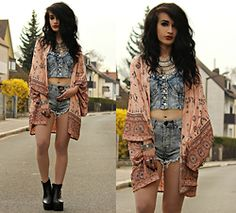 Tessa Diamondly - Spell Designs Coyote Kimono, One Teaspoon Shorts - One love in your eyes now.