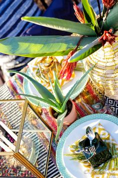tablescape Warm Autumn, Fall Weather, Tribal Prints, Place Settings, Looking Stunning, Tablescapes, Centerpieces, Texture, Simple