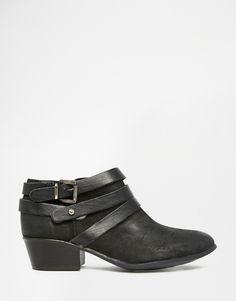 Steve Madden Regent Black Strap Western Ankle Boots