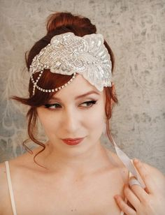 Flapper bridal headpiece by Garden of Whimsy   wedding hair Repinned by Moments Photography http://www.MomentPho.com 1920s Wedding Hair, Headpiece Wedding, Bridal Headpieces, Wedding Veils, Bridal Hair, Bridal Gowns, Flapper Wedding, Flapper Headpiece, Fascinators