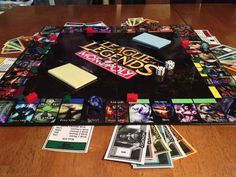 League of Legends Monopoly---- is this real or am I dreaming? Cuz ITS SO BEAUTIFUL!!!!!! T_T