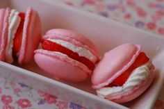Macarons de fresas con nata.   Cuchillito y Tenedor