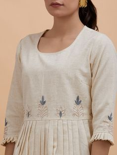 Off White Zari Embroidered Cotton Pleated Kurta Kurti Sleeves Design, Sleeves Designs For Dresses, Kurta Neck Design, Dress Neck Designs, Sleeve Designs, Blouse Designs, Kurta Designs Women, Salwar Designs, Khadi Kurta