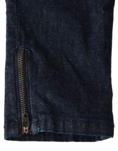 These BOSS Slim fit boys jeans are in an indigo wash with graphite hardware. Denim Button Up, Button Up Shirts, Boys Jeans, Denim Skinny Jeans, Indigo, Boss, Zip, Detail, Girls