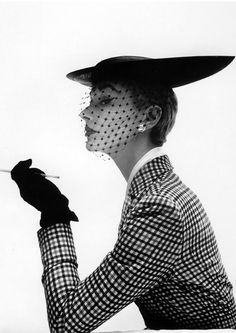 Lissa Fonssagrives wearing a hat by Lilly Dache, 1950. Photo: Irving Penn.