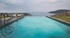 Infinity Pool Cascading Lava Flows Inspiring Modern Architecture: Hebil 157 Houses by Aytac Architects Rustic Country Homes, Country Hotel, Beautiful Pools, Beautiful Villas, Beautiful Places, Building A Pool, Cool Pools, Pool Houses, Nice View