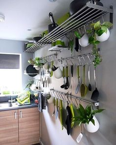 Ideas For Kitchen Wall Storage Ikea Hanging Pots Setting up a small kitchen: brilliant ideas for more storage space - small kitchen?Setting up a small kitchen: brilliant ideas for more storage space - Kitchen Wall Storage, Kitchen Shelves, Kitchen Organization, Organization Ideas, Kitchen Utensils, Open Shelves, Kitchen Hooks, Wall Shelves, Kitchen Gadgets