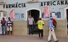 Farmacia in una via di Praia