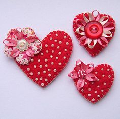 A set of three handmade felt heart brooches. with beading button and ribbon details. Valentine Day Crafts, Valentine Heart, Valentines, Felt Diy, Handmade Felt, Heart Crafts, Felt Brooch, Felt Fabric, Felt Hearts