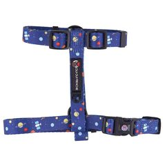 Your dog will look and feel out of this world in our space harness! 🚀 Features Original Oui Oui Frenchie design Made specifically for small-medium breeds Safety lock - Fully adjustable to fit a wide variety of dogs - Metal D-rings for leash attachment and dog tags Dog Varieties, Super Happy, Oui Oui, Collar And Leash, Cool Pets, Dog Tags, Your Dog, Safety, Space