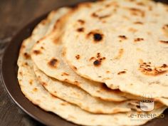 Paine indiana stratificata Indiana, Just Bake, Naan, Veggies, Food And Drink, Bread, Cooking, Breakfast, Healthy