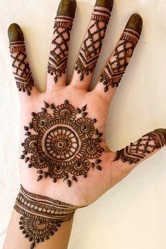 Circle Mehndi Designs, Palm Mehndi Design, Mehndi Designs For Kids, Finger Henna Designs, Mehndi Designs For Beginners, Mehndi Designs For Fingers, Wedding Mehndi Designs, Unique Mehndi Designs, Henna Designs Easy